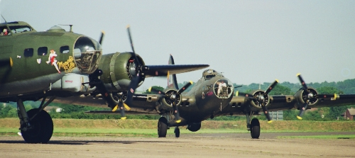"B 17 ""Flying Fortress"" Startvorbereitung in Duxford"